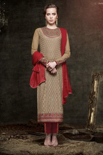 Stunning Diva Priyanka Chopra Salwar